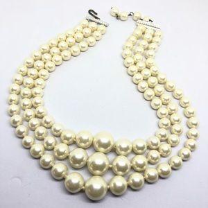 🆕Vintage Triple Strand Pearl Necklace